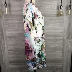 Zara Scoop Neck Back Button Up open cut Size M